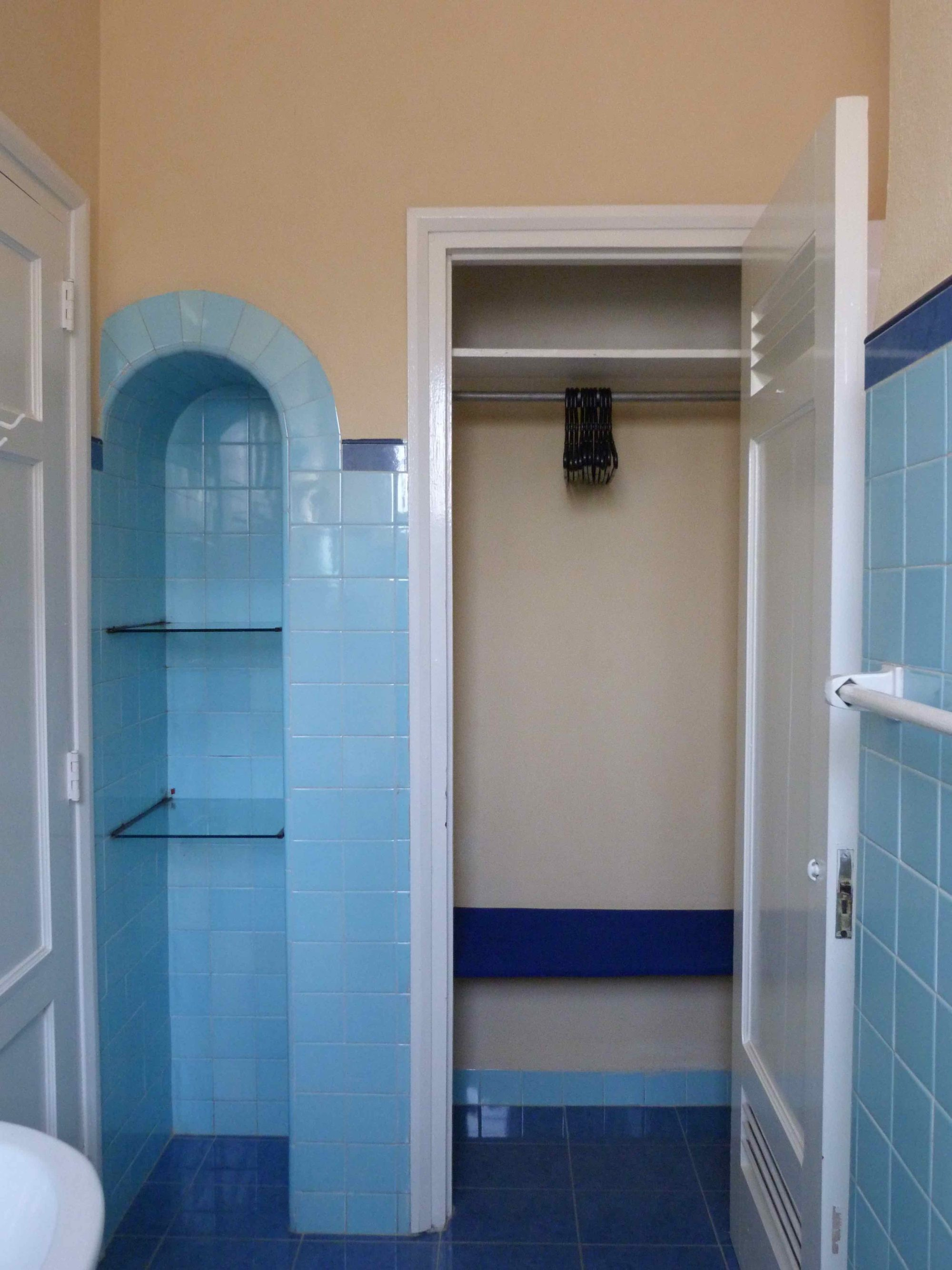 Closet del baño intercalado